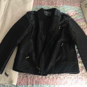 Men's faux leather jacket EUC! Size L/XL